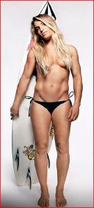 La surfeuse Claire Bevilacqua presque nue